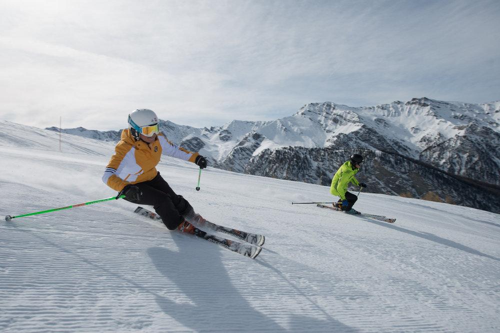 Conditions idéales (soleil et neige fraîche) sur les pistes de ski de Molines/St Véran - © M. Molle / OT du Queyras