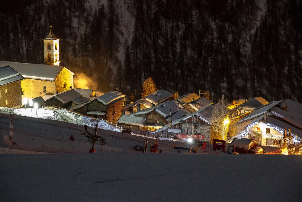 Saint Véran vu des pistes de ski - © F. Amoros