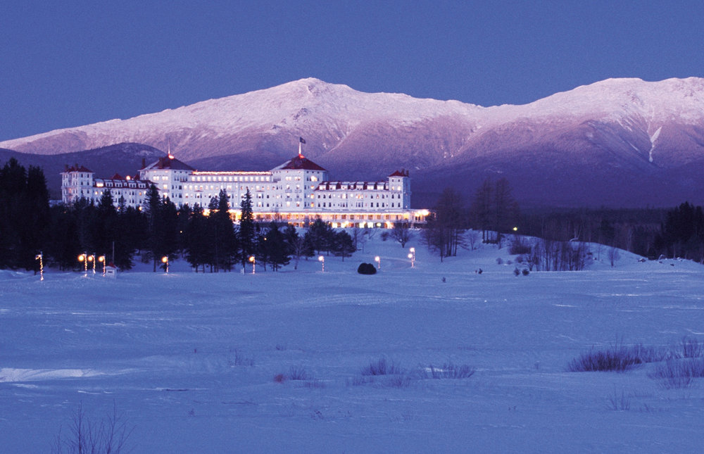 The Omni Mt. Washington Hotel lights up at night. - © Omni Hotels