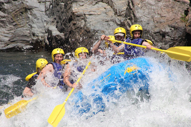 Punching through Satan's Cesspool on the South Fork of the American River. - ©Brian Miller/Flickr