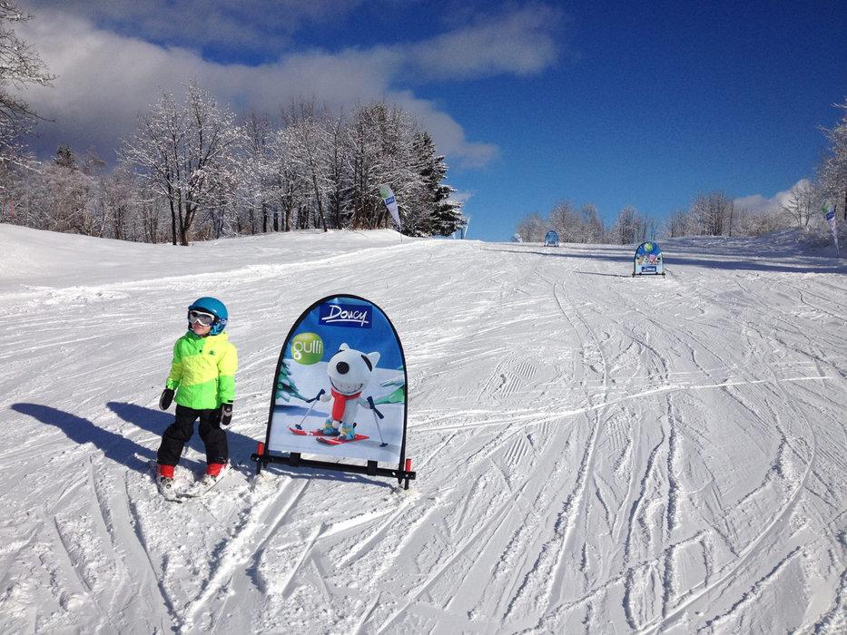 Apprentissage du ski sur les pistes de Doucy - © Office de Tourisme de Valmorel