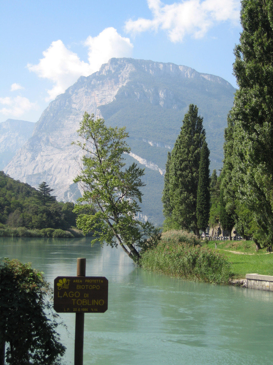 Lago di Toblino im Valle dei  Laghi, nordöstlich vom  Gardasee  - ©Armin Herb