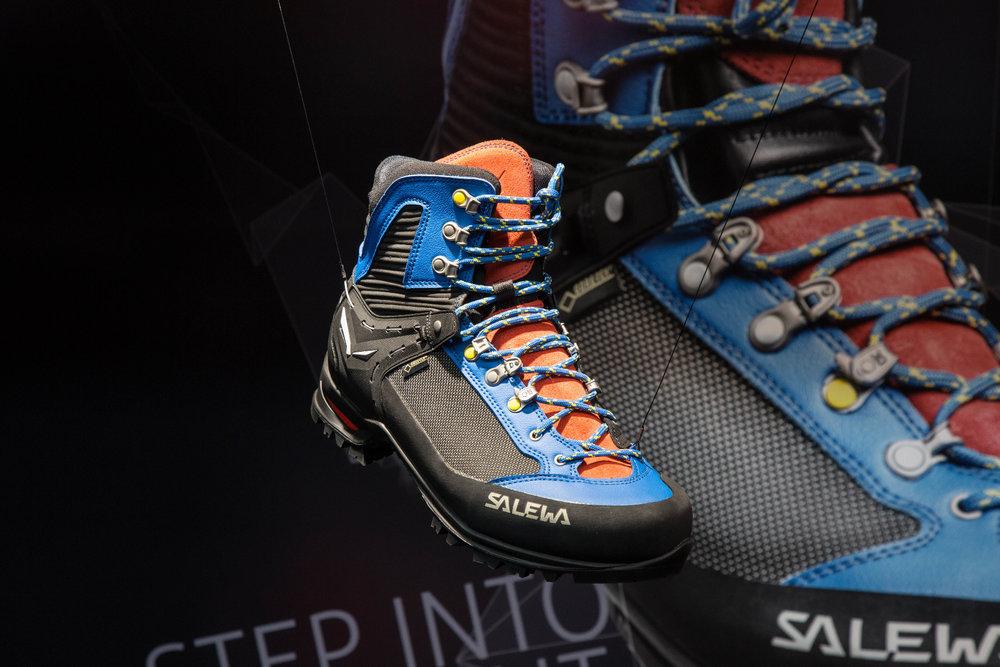 Salewa-Schuh auf der OutDoor 2016 - ©Bergleben.de