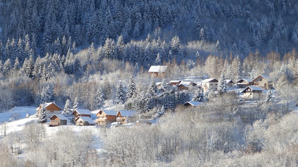La station village des Bottières blottie à quelques encablures de la Toussuire - © Office de Tourisme Les Bottières