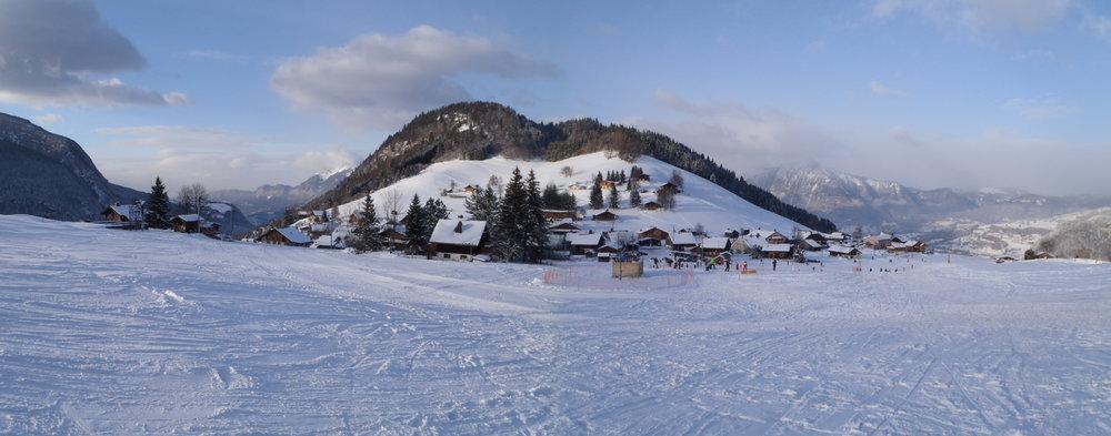 La station de ski de Romme et son front de neige - © Office de Tourisme Intercommunal Communauté de communes Cluses Arve & montagnes