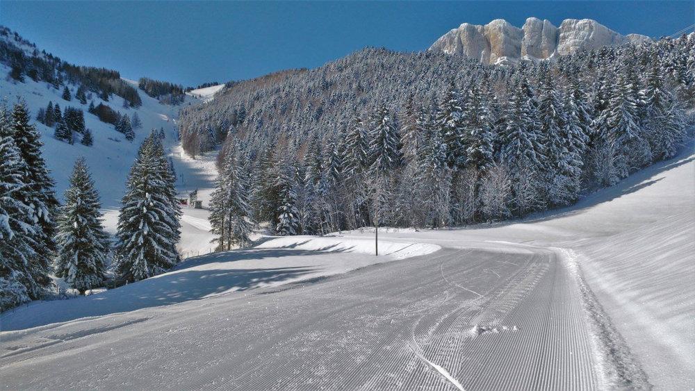 Conditions de ski idéales (neige fraiche et soleil généreux) sur les pistes de Gresse en Vercors - © Office de Tourisme de Gresse en Vercors