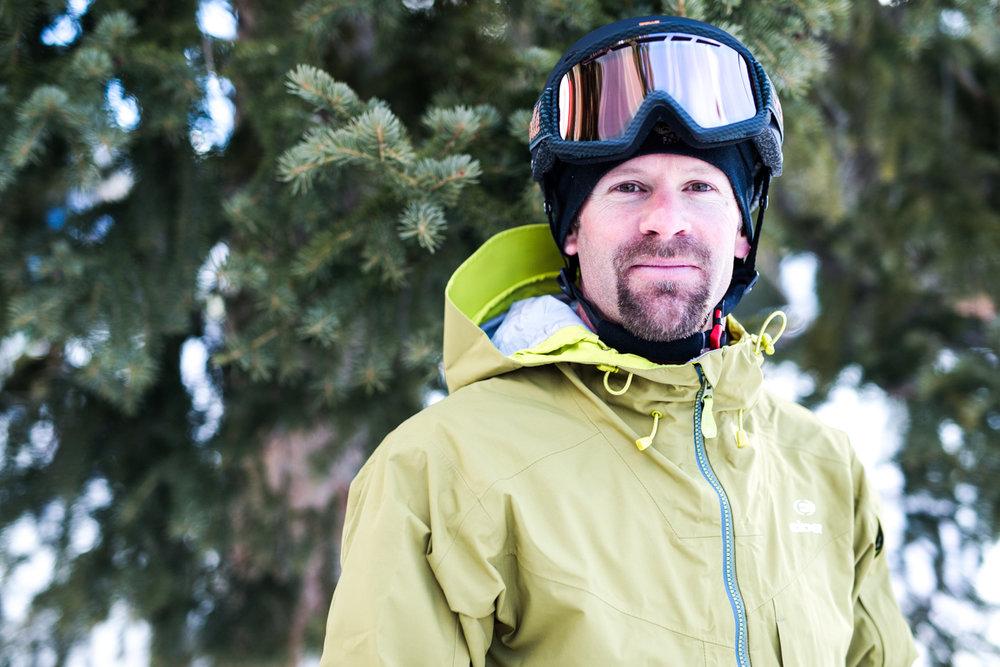 Ryan Dittmar (42) er tidligere aktiv alpinist og jobber nå som skiinstruktør og coach. - © Liam Doran