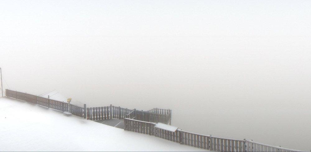 Prima neve anche a Alpe d'Huez (15.09.16) - © Facebook Alpe d'Huez