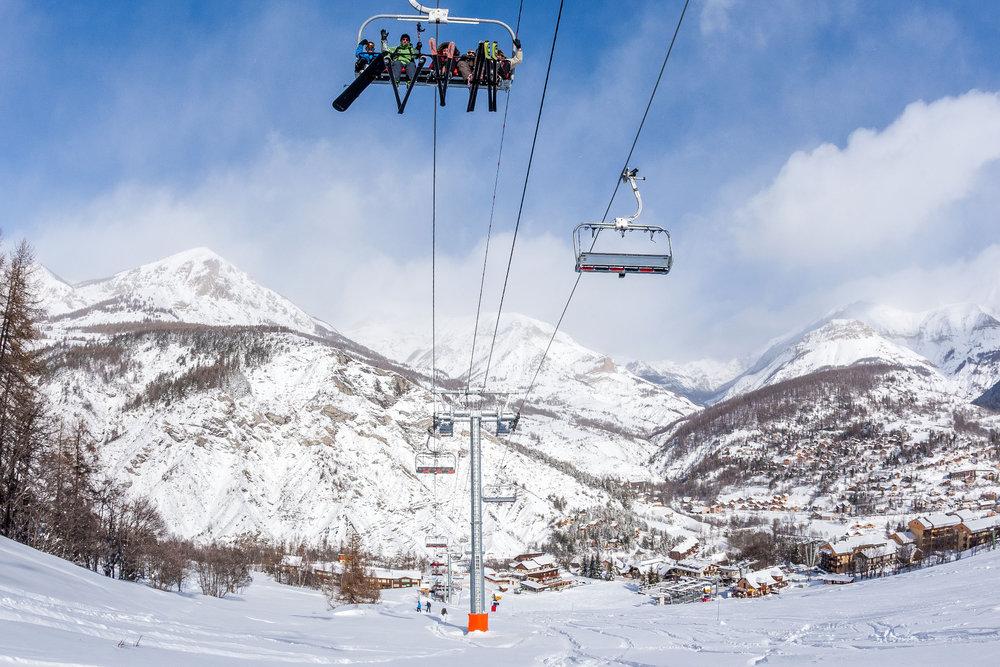 En route pour les pistes de ski de Val d'Allos le Seignus - © Office de tourisme du Val d'Allos / R. Palomba