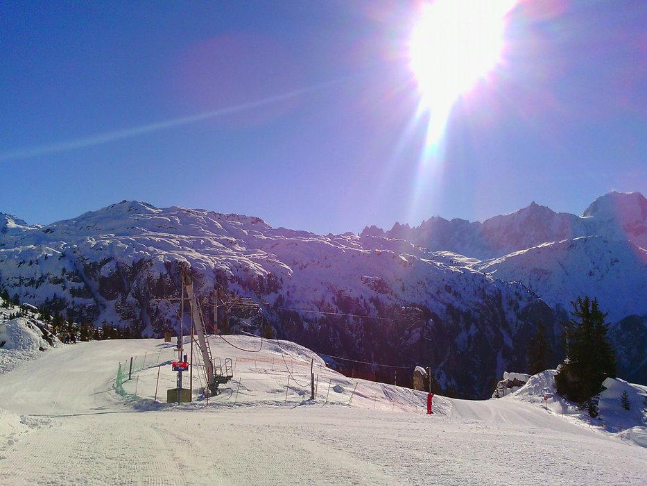 Belle journée de ski sur les pistes de Passy Plaine Joux - © Office de Tourisme de Passy