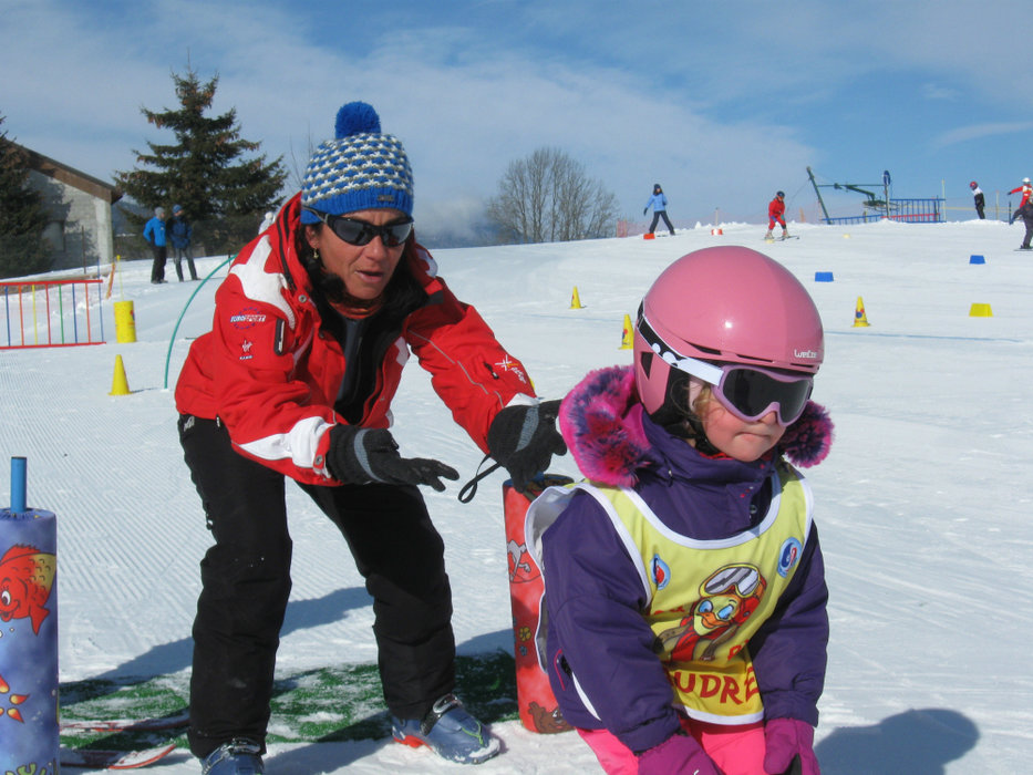 Apprentissage du ski sur l'espace débutants de Méaudre - © ESF de Méaudre