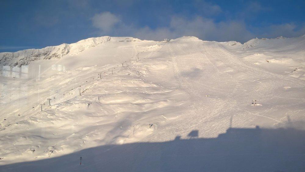 Der Mölltaler Gletscher trägt Mitte November schon ordentlich Schnee - © Mölltaler Gletscher