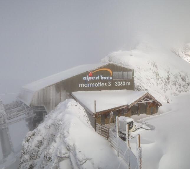 60cm of snow on the summit of Alpe d'Huez Nov. 6, 2016 - © Alpe d'Huez