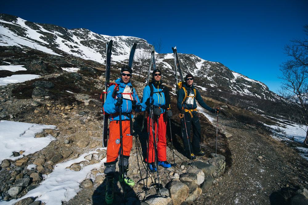 Tre blide gutter klar for tur. Fra venstre Bjørn Sørland, Sindre Ege og William Evje.  - © Tor Berge - Norexplore