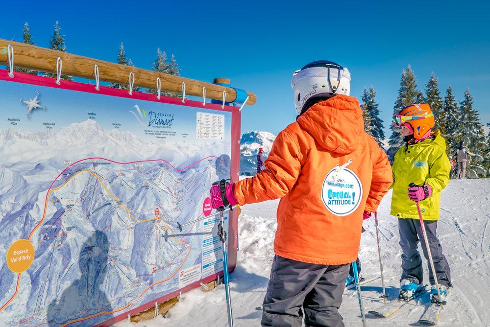 En route pour les pistes de ski de l'Espace Diamant via Crest Voland - © Labellemontagne Crest-Voland Cohennoz