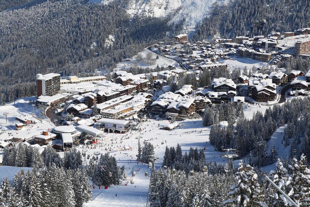 Courchevel 1850, ses chalets et résidences au pied des pistes de ski - © OT de Courchevel