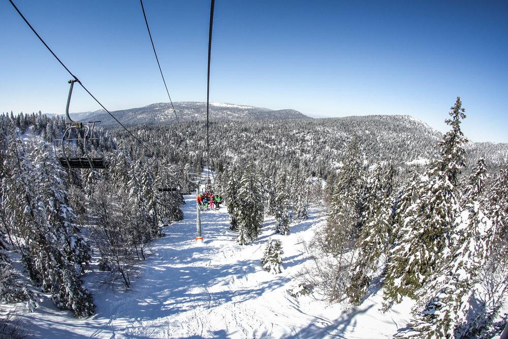 En route pour les piste de ski du domaine Autrans/Méaudre - © Nacho Grez