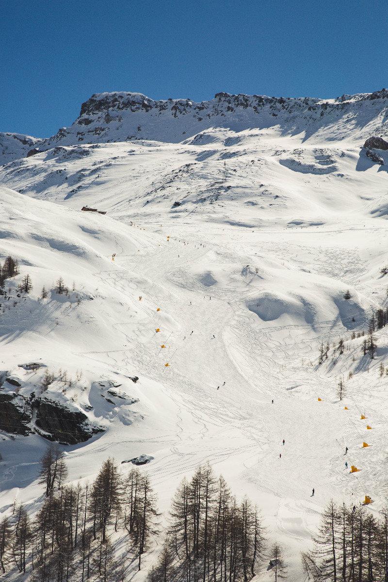 Die Piste 7.0 hinab nach Cervinia-Breuil (ITA) - © Skiinfo | Sebastian Lindemeyer