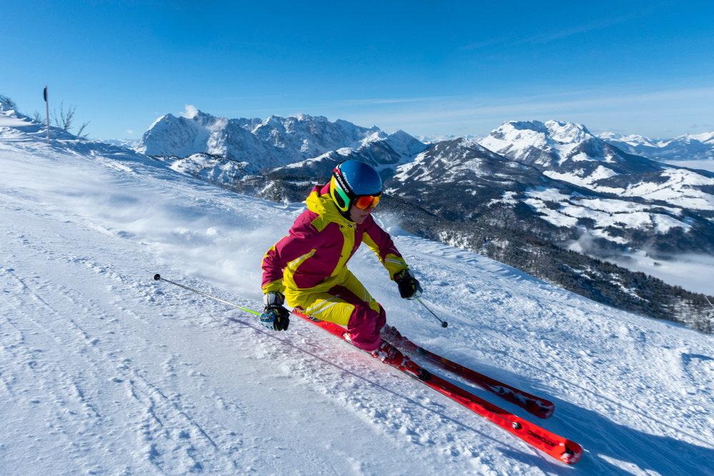 Skifahren in Hochkössen - © Bergbahnen Kössen