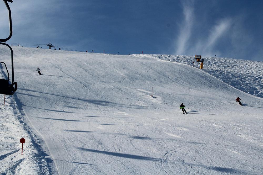 Tolle Piste im Skigebiet Hochkössen - © Bergbahnen Kössen