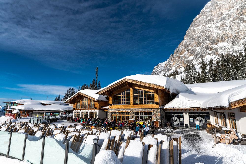 Ordentlich Schnee im Skigebiet Ehrwalder Almbahn - © Ehrwalder Almbahn