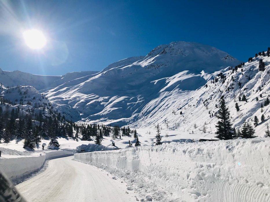 Jede Menge Neuschnee am Kaunertaler Gletscher - © Kaunertaler Gletscherbahnen