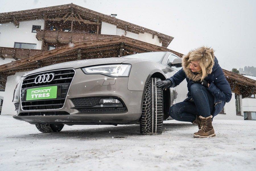 Un conseil, sur route enneigée, optez pour des pneus hiver/contact - © Nokian