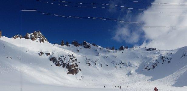 Cerro Catedral Alta Patagonia - piste perfette ...anche se non nevica seriamente da 10 giorni. Zero ghiaccio se non sul tratto basso della condor. Meraviglioso - © markzeta