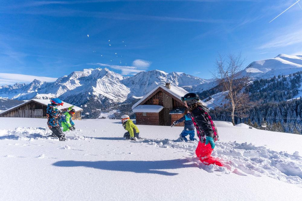 Les joies simples et les plaisirs intemporels des jeux de neige à Saint Gervais - © Facebook Saint-Gervais Mont-Blanc