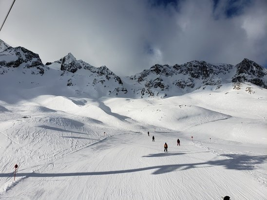 Stubaier Gletscher - Great day of skiing 8 out of 10 - © Jp