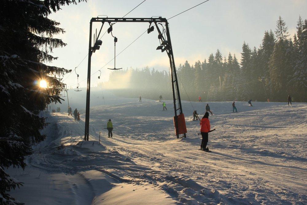 Eindrücke vom Saisonstart im slowakischen Skigebiet Ski Gruniky - Sihelné - © facebook - Ski Gruniky - Sihelné