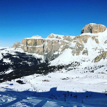 Alba - Ciampac - Neve molto bella. Piste splendide sia pure affollate in questi giorni. - © Antonella Musuraca