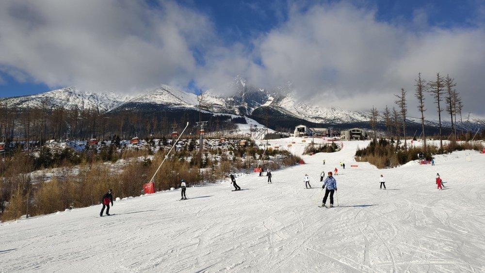 Dnešná slnečná lyžovačka zo Skalnatého plesa - Tatranská Lomnica 20.1.2020 - © TMR, a.s.