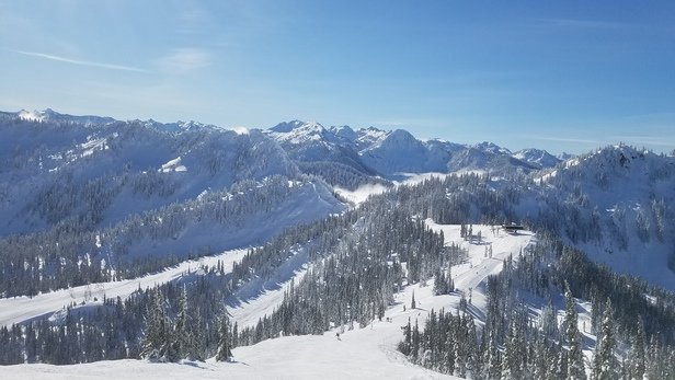 Stevens Pass Resort - Beautiful sunny day. Snow is in great shape. Off piste is firm but not completely frozen. Back was closed until 1030am for aerial avalanche control. Grooming was excellent. - © Brian Geppert