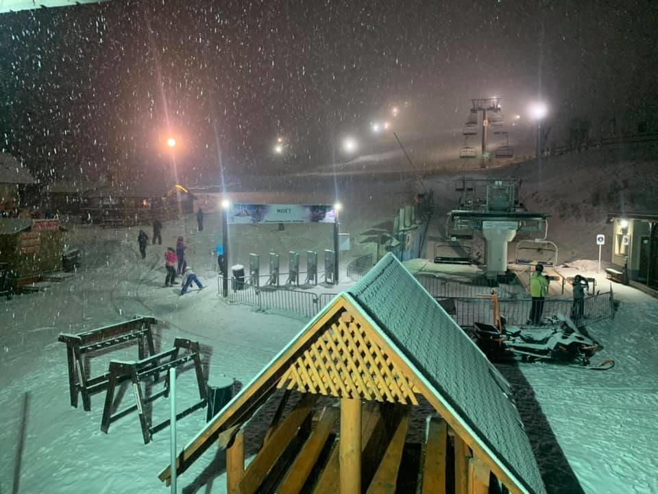 Na Krahuliach sneží! 19.2.2020 - © facebook | Ski Krahule a koliba