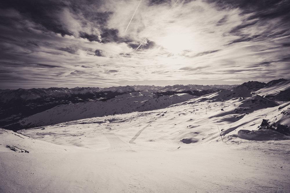 Ein Highlight im Skigebiet ist die Piste 26, die von La Siala steil hinab führt - © Skiinfo | Sebastian Lindemeyer