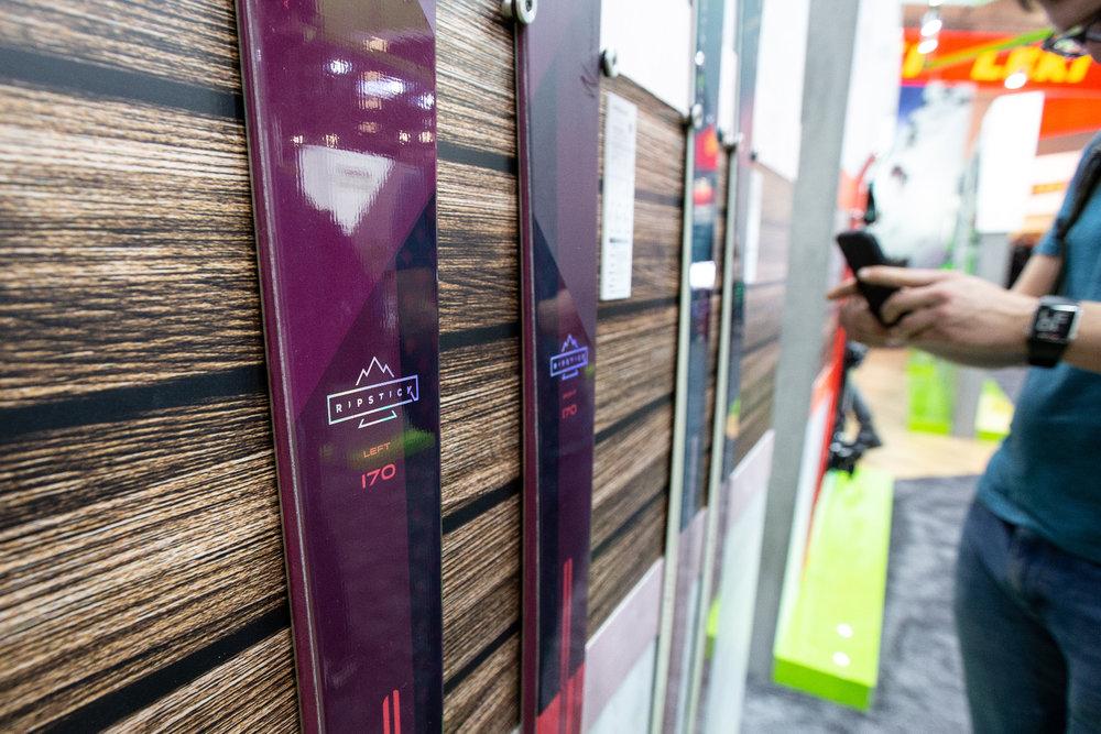 Na stánku Elan - ISPO 2020 - © Skiinfo