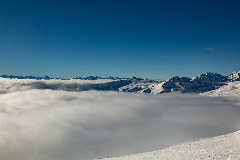 Über den Wolken im Skigebiet Flims Laax - © Skiinfo | Sebastian Lindemeyer