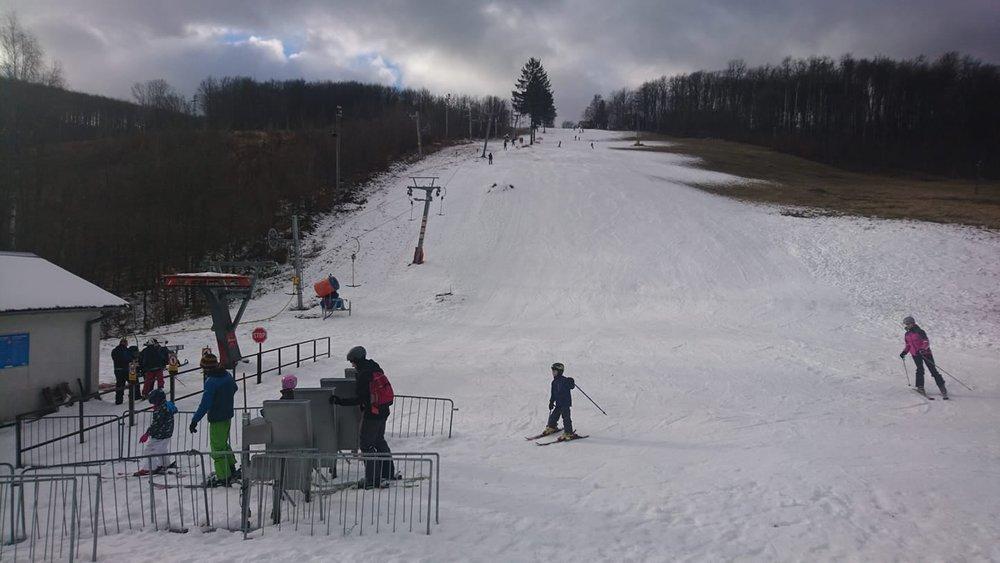 Aktuálna situácia v lyžiarskom stredisku Pezinská Baba (6.1.2020) - © facebook | Pezinská Baba