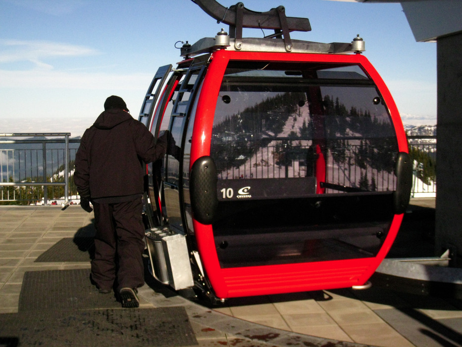 The Mt. Rainier Gondola at Crystal Mountain takes riders from the base to the summit.  - © Becky Lomax
