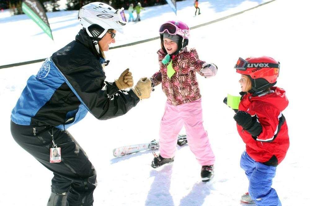 The Loveland Ski & Ride School Offers the 3 Class Pass. - © Visit Colorado