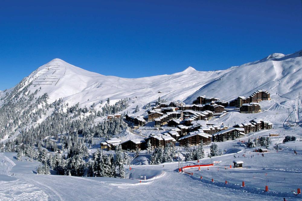 Skiing at La Plagne, FRA - © OT La Plagne