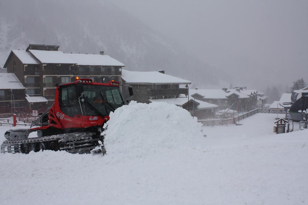 Derniers préparatifs avant l'ouverture des pistes de Val d'Allos - © OT Val d'Allos
