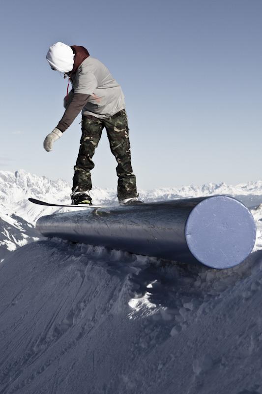 Sauberer Job auf einer Mail Box - © stefandrexl.com / Overview Gletscherbahnen Kaprun AG /Kitzsteinhorn