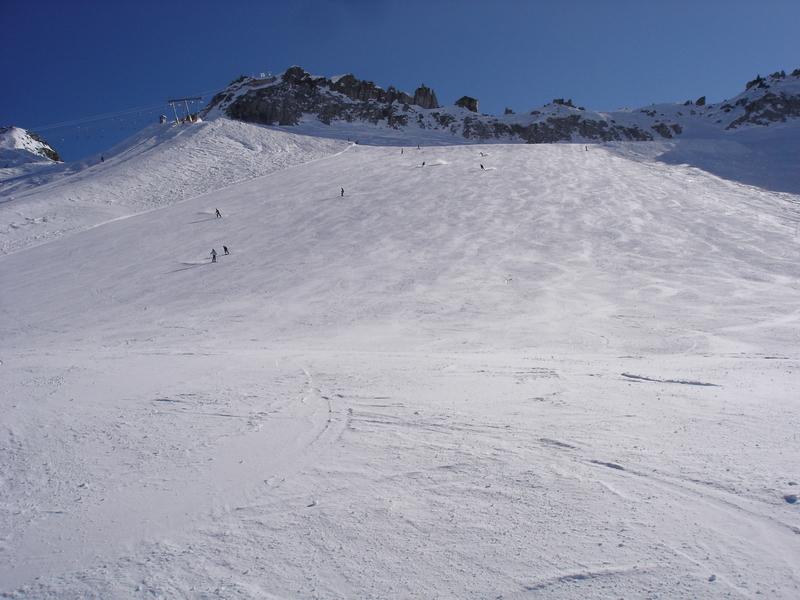 La vastità della pista sul ghiacciaio Presena - © A. Corbo