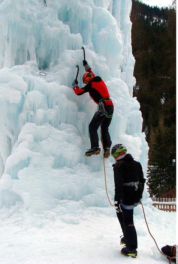 Cascade de glace - © Savoie Mont-Blanc / Raïh