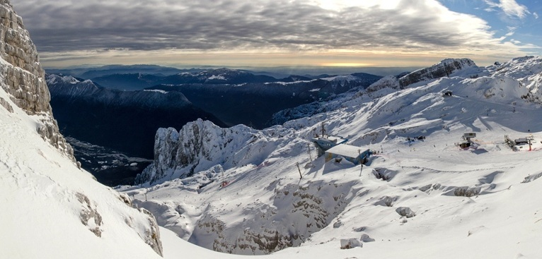 From the top of the slopes at Bovec towards the Adriatic.  - © David Stulc/Bovec Tourism