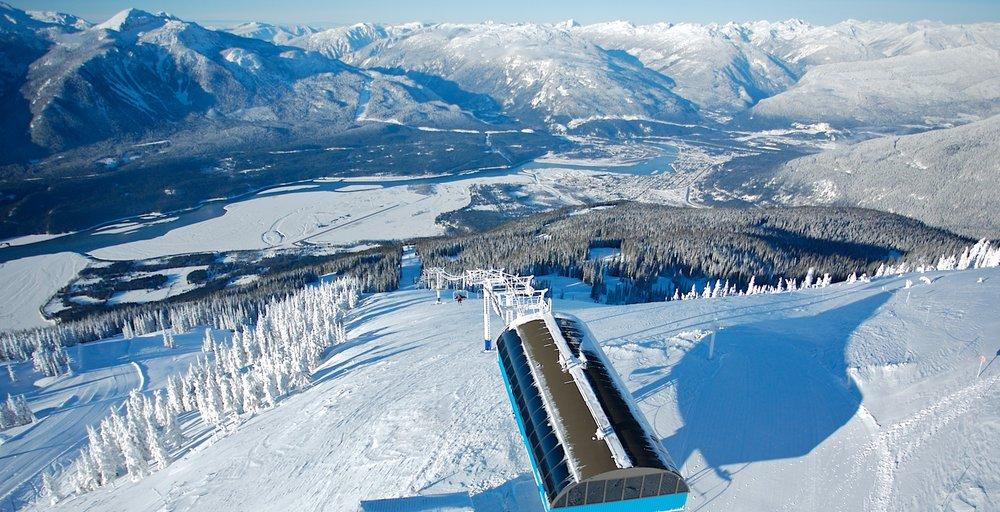 Skiing Revelstoke - © Revelstoke Mountain Resort
