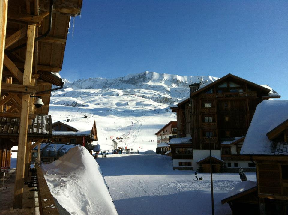 Dans le rue de l'Alpe d'Huez