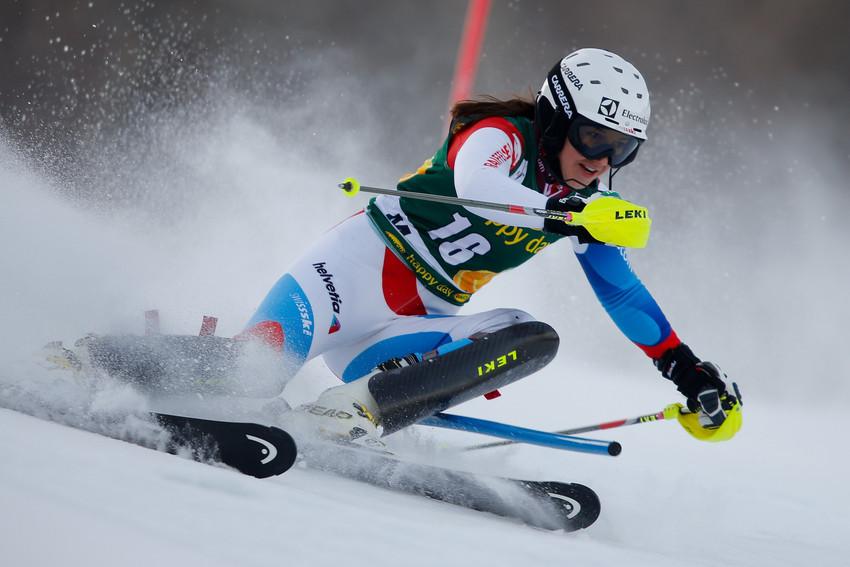 Platz zehn: Wendy Holdener setzt sich in der Slalom-Spitze fest - © Stanko GRUDEN/AGENCE ZOOM